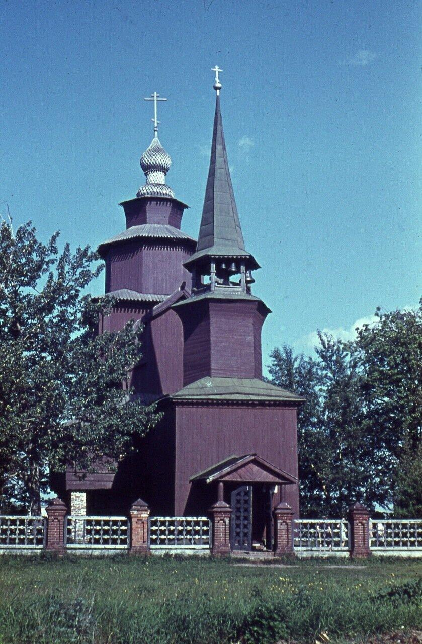 10.  Церковь  Иоанна  Богослова  на реке  Ишне