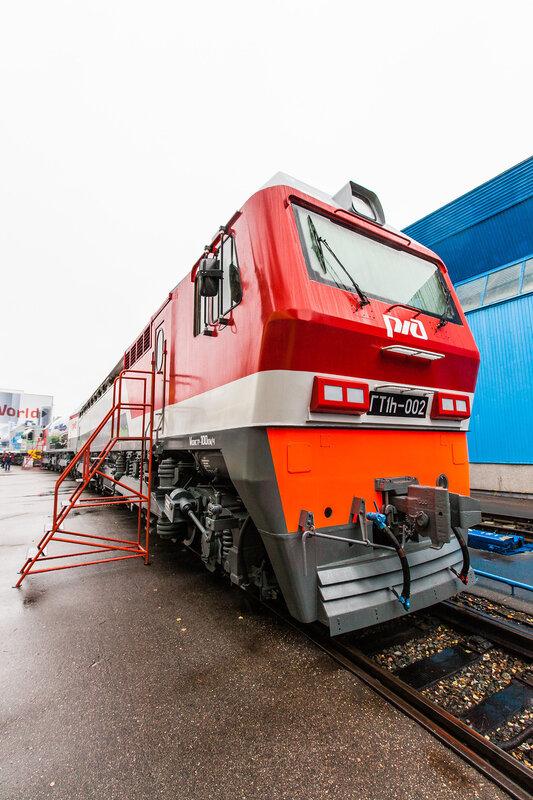 Инновационный локомотив ГТ1h-001 с гибридным приводом, работающего на сжиженном природном газе
