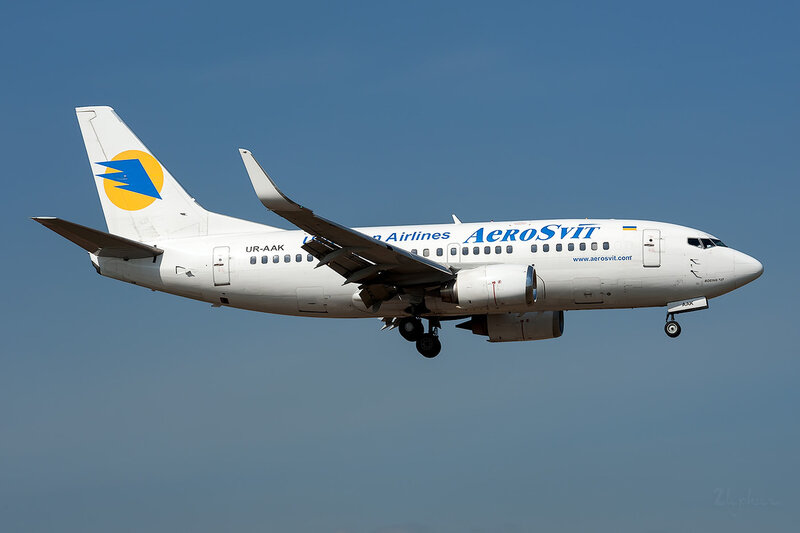 Boeing 737-548 (UR-AAK) AeroSvit DSC_3725