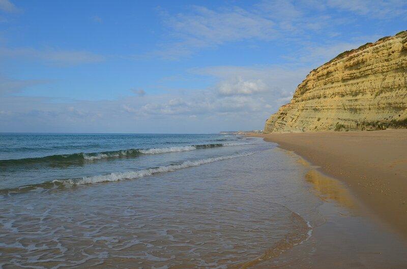 Босиком по пляжу