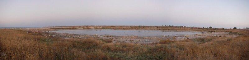 Панорама Солёной бухты, где в античные времена добывали и выпаривали соль (Севастпооль, Крым)