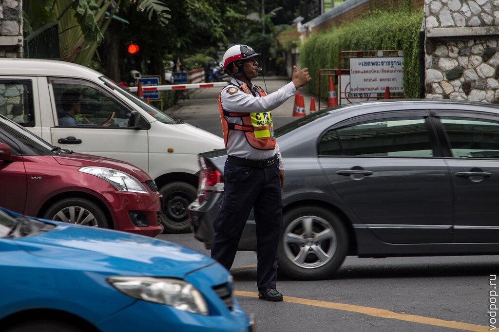 Регулировщик движения в Бангкоке