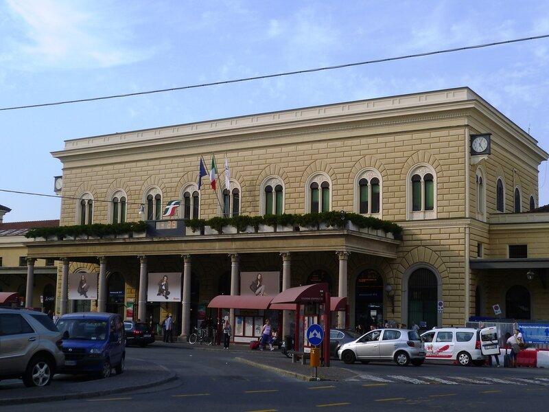 Италия. Болонья. Железнодорожный вокзал. (Italy. Bologna. Railway station)