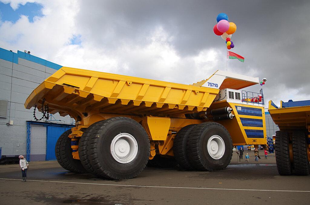 0 928ab 4035aae1 XXL Как делают гигантов    БелАЗы.