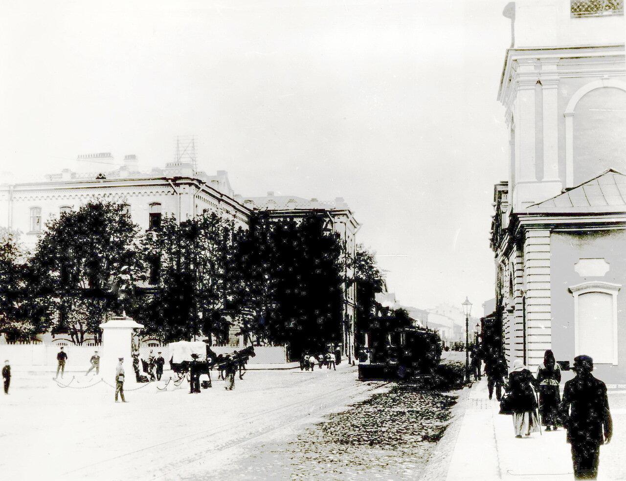 Сампсониевский собор. Памятник Петру I