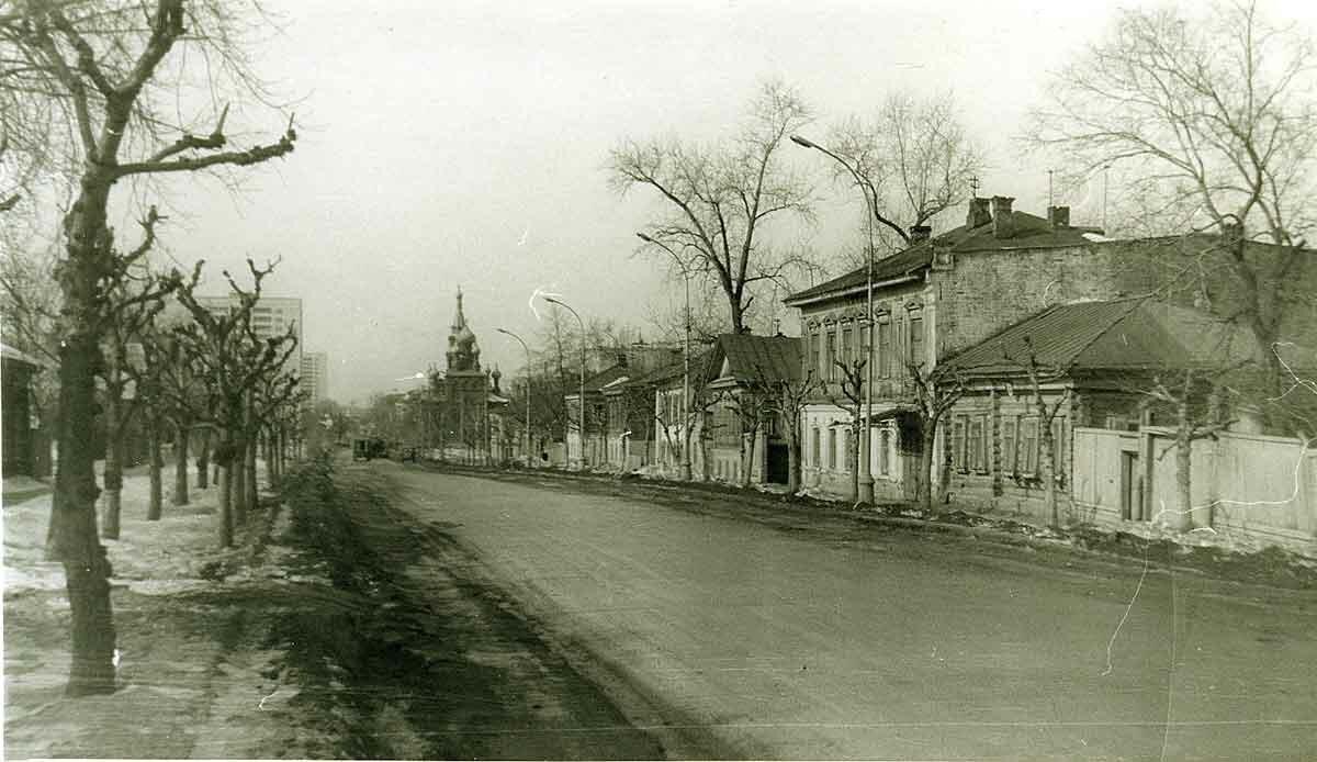 Угол ул.Екатерининская и ул.Попова