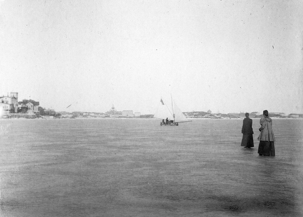 На льду Финского залива. 1907