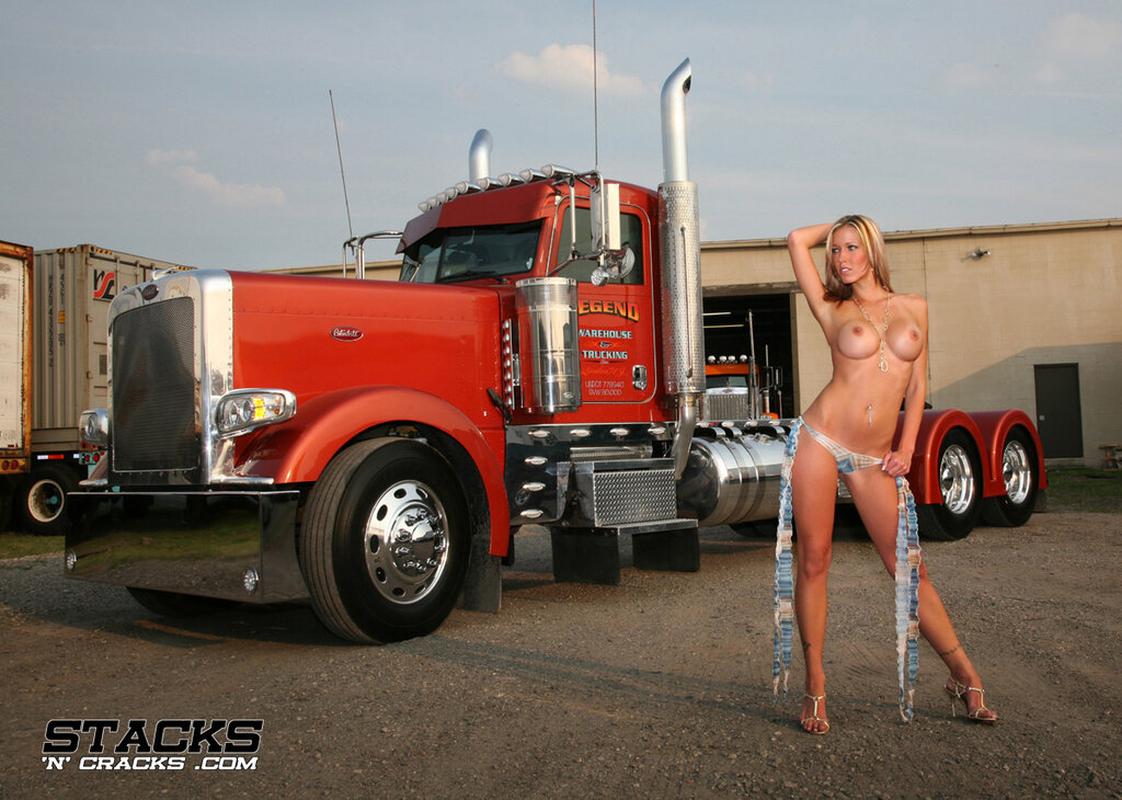 Naked girls and semi trucks smackdown women fucking