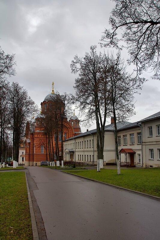 в Покровском Хотьковском монастыре