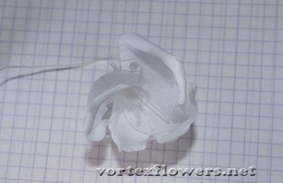 Гардения из ткани. Сборка цветка из ткани.