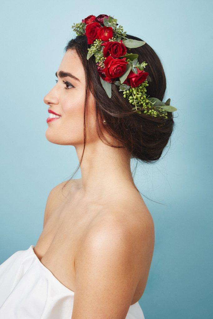 свадебные-прически-с-цветами25.jpg