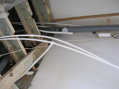 Трубы очень податливые. Особенно это полезно в ускозтях, сложностях и нагромождениях