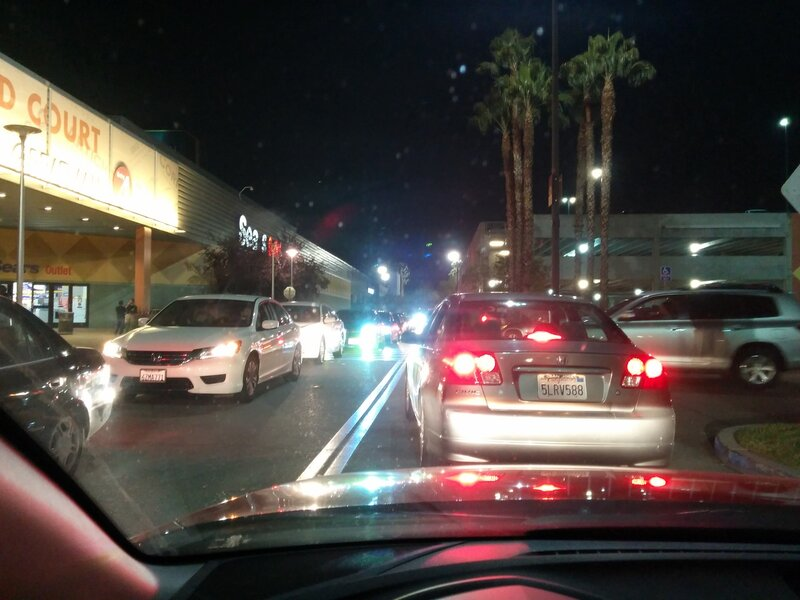 black friday 2013 traffic on the parking at great mall