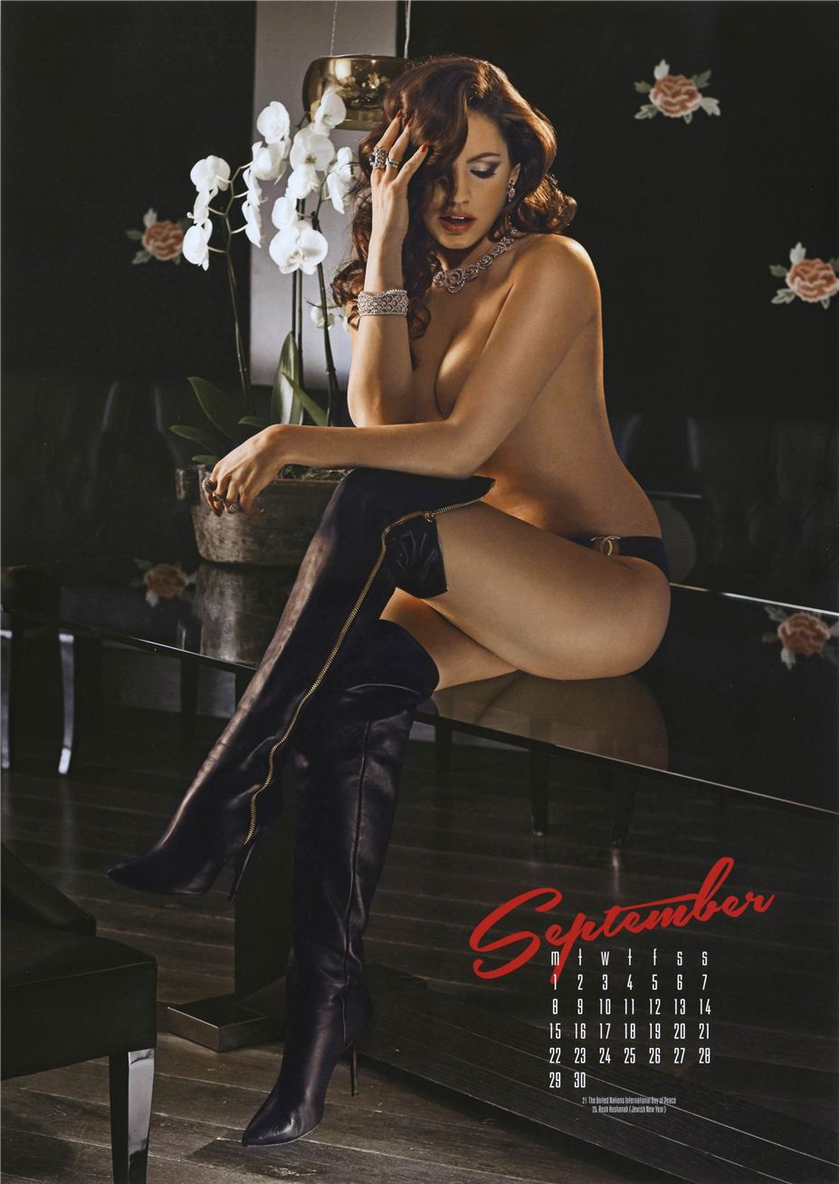 сентябрь - Календарь сексуальной красотки, актрисы и модели Келли Брук / Kelly Brook - official calendar 2014