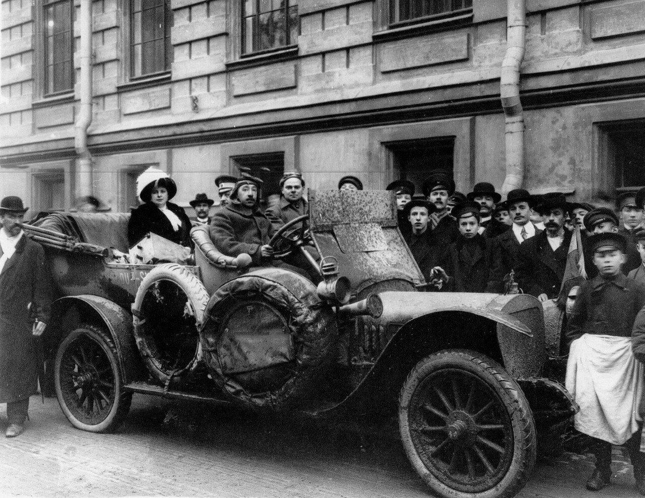 008. Организатор автопробега Андрей Платонович Нагель с супругой на собственном автомобиле Руссо-Балт. 1912