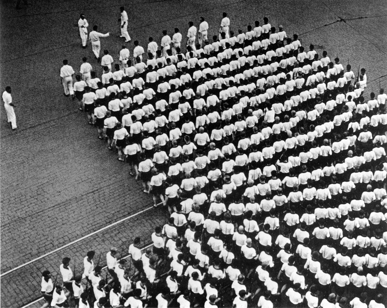 Колонна. 1935 год.