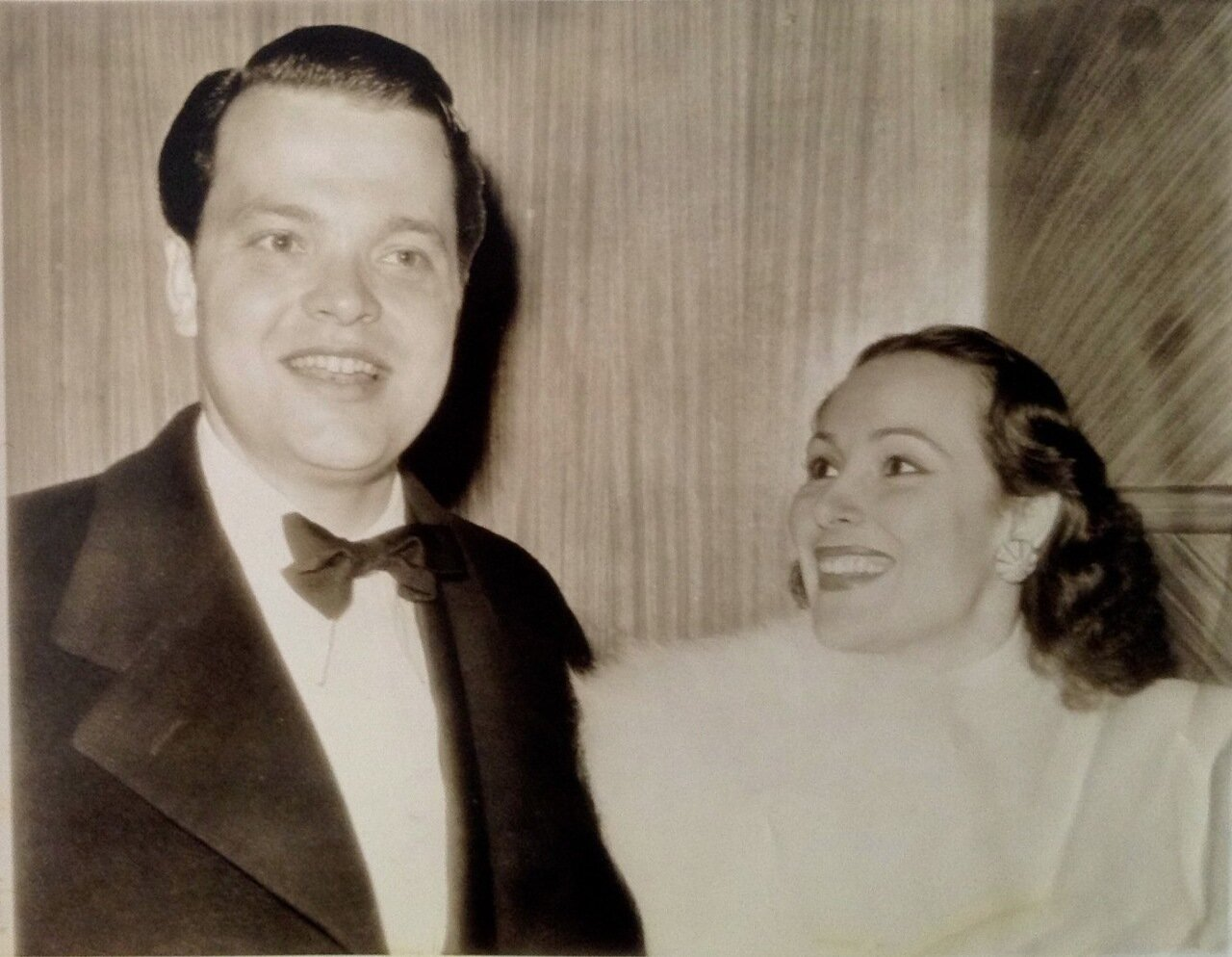 1941. Орсон Уэллс и Долорес Дель Рио на концерте