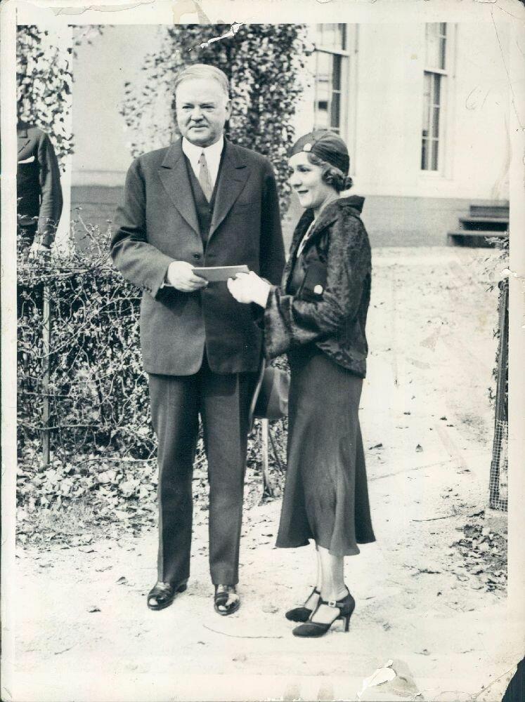1920-е. Президент Херберт Гувер и Мэри Пикфорд