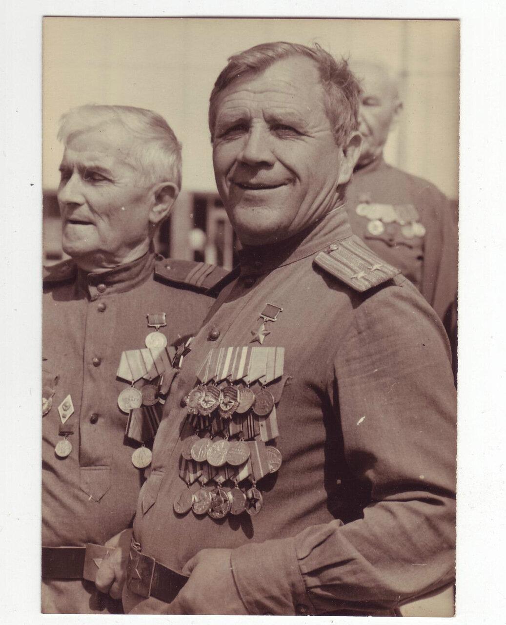 Ветеран Великой Отечественной войны на параде 1970-х годов