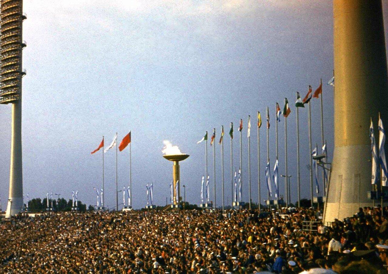 1980. Стадион им. С.М. Кирова. Олимпийский огонь