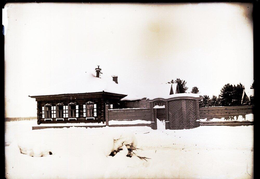 1912. Село Ларьяк. Русский дом