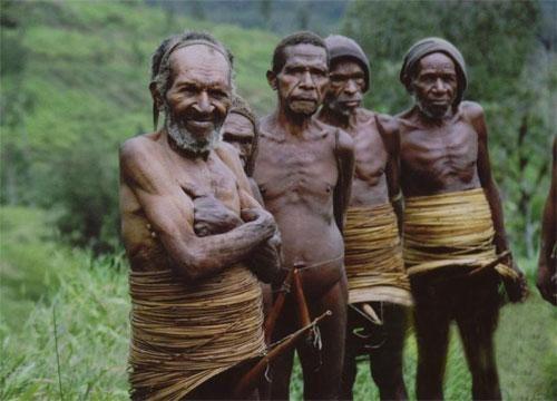 Дикие племена людоедов видео