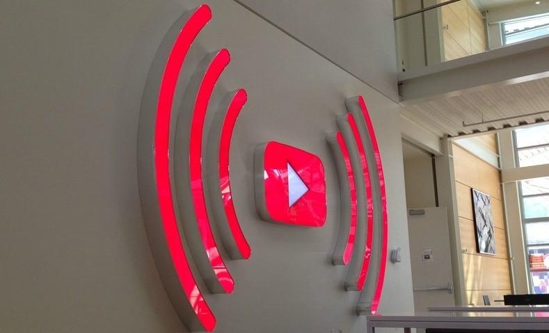 Видеохостинг YouTube намерен запустить трансляцию пользующихся популярностью лент