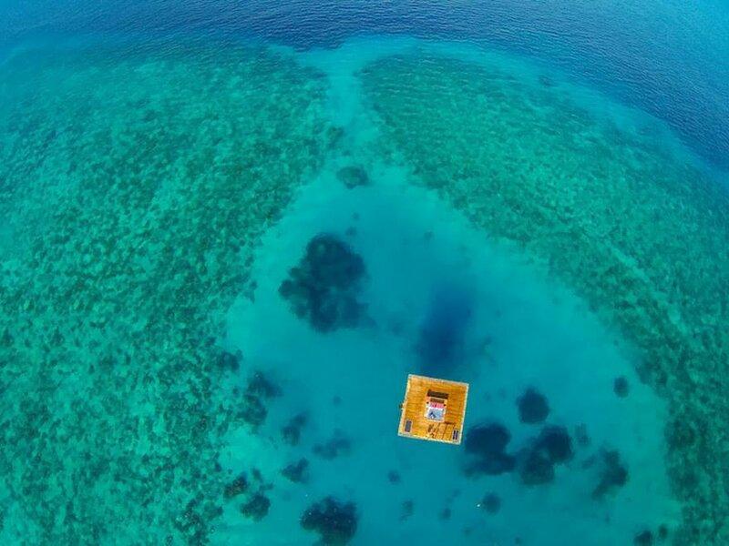 Подводный отель в Индийском океане