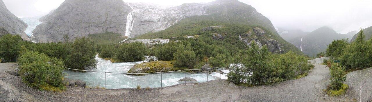 Поход к Леднику Бриксдалсбреен. Walking tour to Briksdalsbreen glacier, panorama