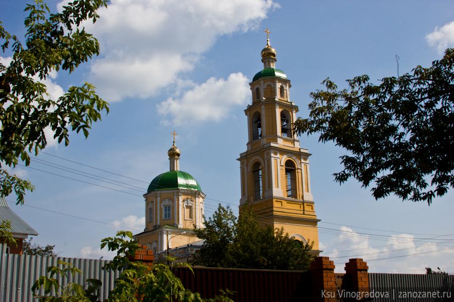 Никольский храм в селе Домодедово.