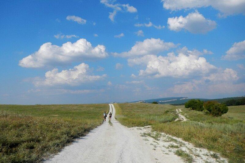 Дорога на Красный Мак и облака