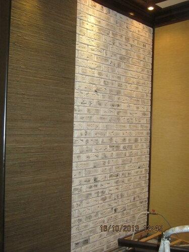 Стены красиво отдекорированы