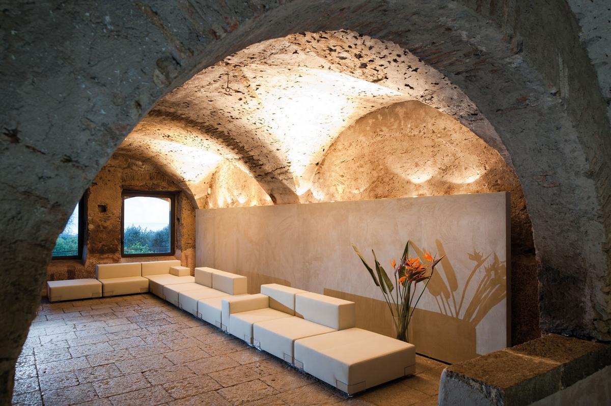 Zash Country Boutique, Антонио Ираци, Antonio Iraci, отель на Сицилии, отель в Италии, старинный отель на Сицилии, дизайн отеля, отель Средиземное море