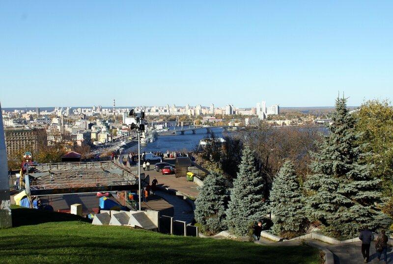 Вид на нижнюю террасу Хрещатого парка