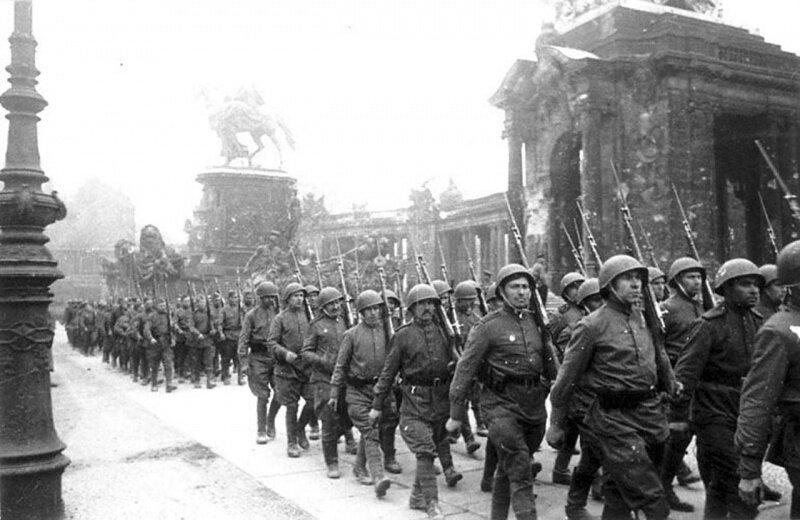 ������� ��������� ����� �������� �� ������ �������, 1945 ���.
