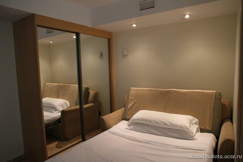 Комната с дополнительным диваном в апартаменте в Sol Lanzarote
