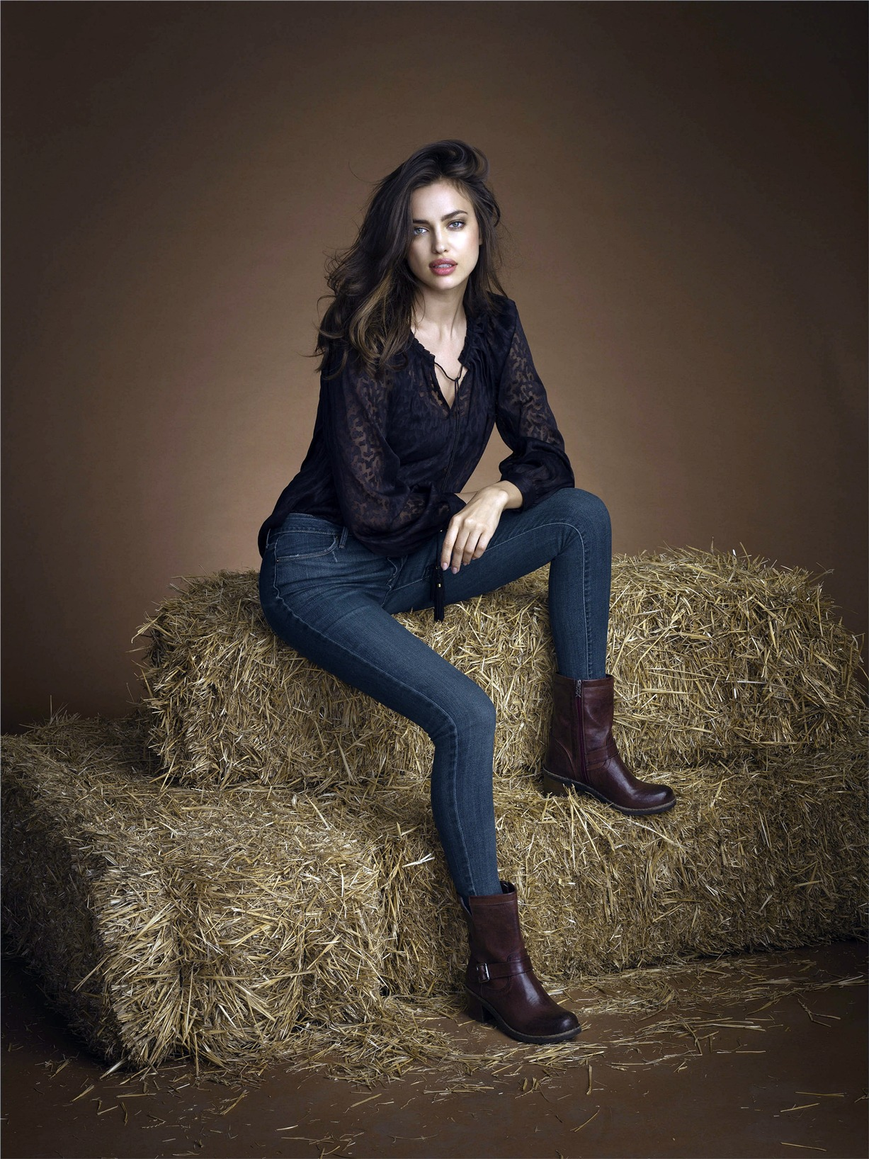Ирина Шейк / Irina Shayk & Juan Betancourt by Santiago Esteban for Xti Footwear Fall-Winter 2013-14 campaign