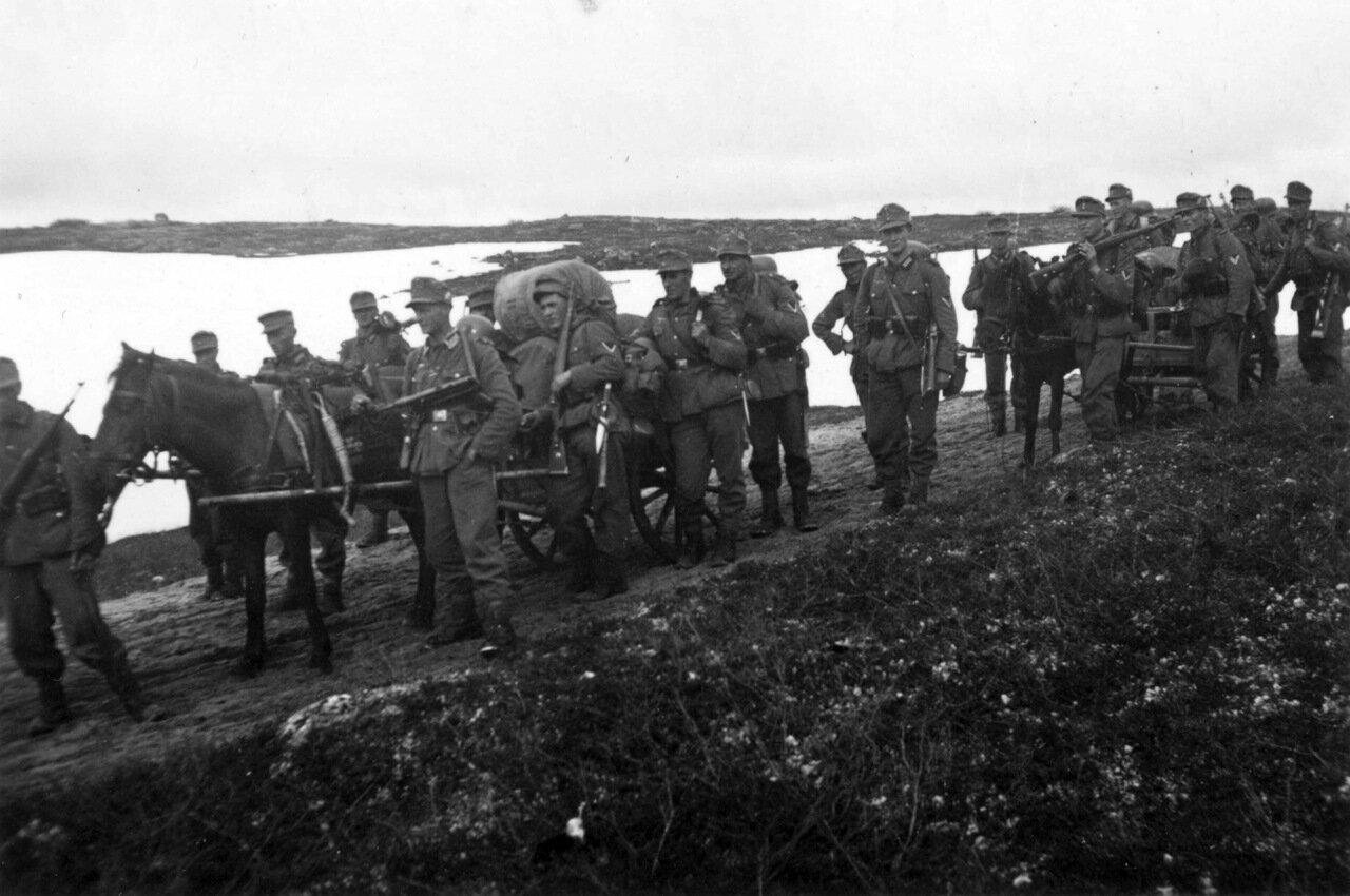 1941. Мурманск, Горные стрелки сделали остановку в пути
