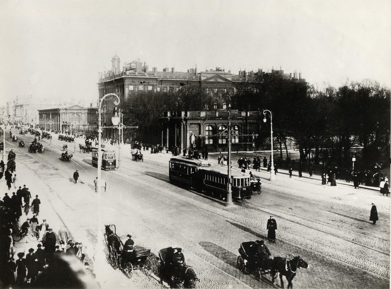 Невский проспект. Вид на Аничков дворец со стороны Малой Садовой