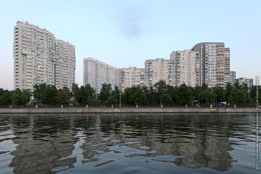 Нагатинская набережная вид с Москвы-реки
