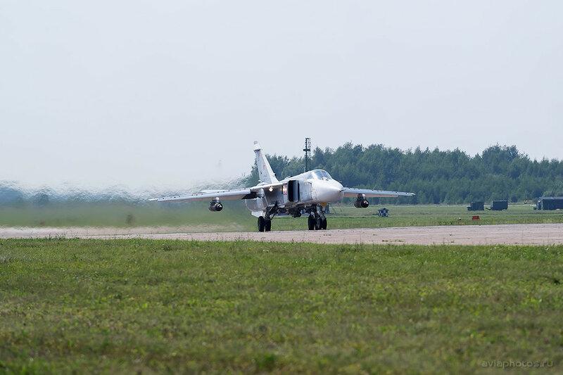 Сухой Су-24М (RF-95928 / 55 красный) ВКС России 1690_D805804