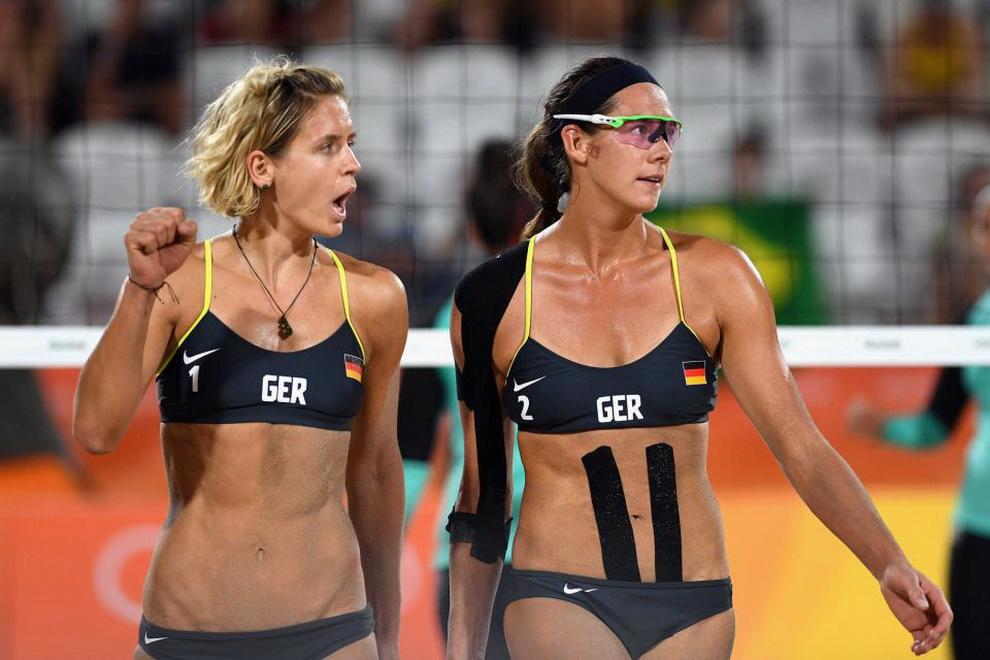 Смотреть женский волейбол с сексуальными девками