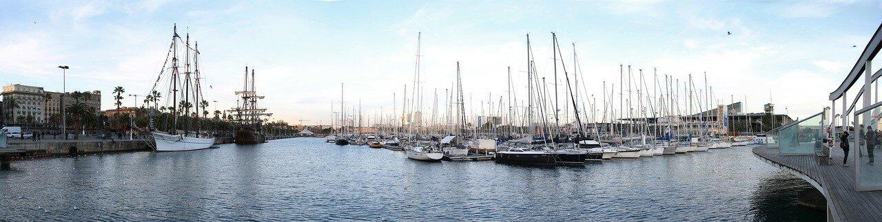 Barcelona. Marina Port Vell. Yacht piers. Panorama