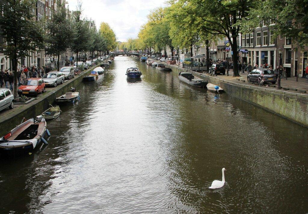 Oudezijds Voorburgwal canal, De Wallen, Amsterdam