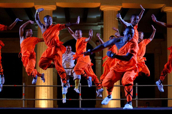 Шаолинь был основан в 495 году. В 620 году 13 шаолиньских монахов помогли Ли Шиминю удержаться