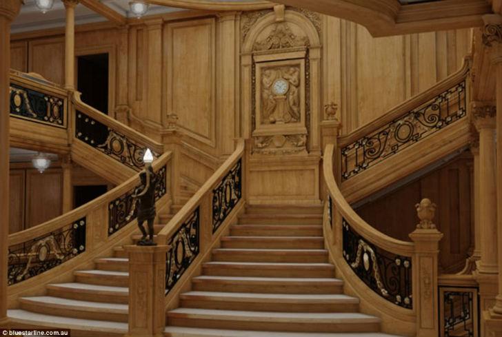 Главная лестница нового лайнера.