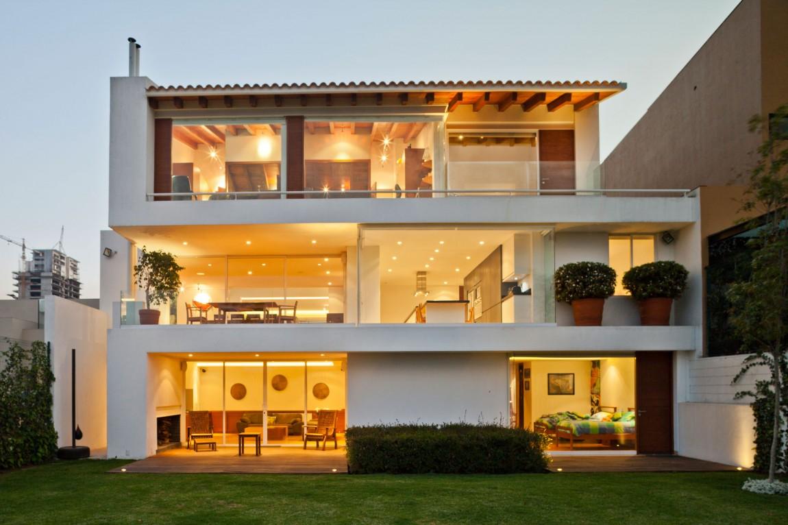 Трехуровневый дом Encinos II в Мексике (31 фото)