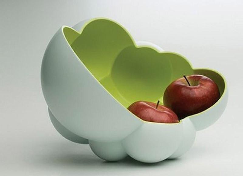 31. Если не все яблоки влезли на дерево, можно сложить каждое в свой домик