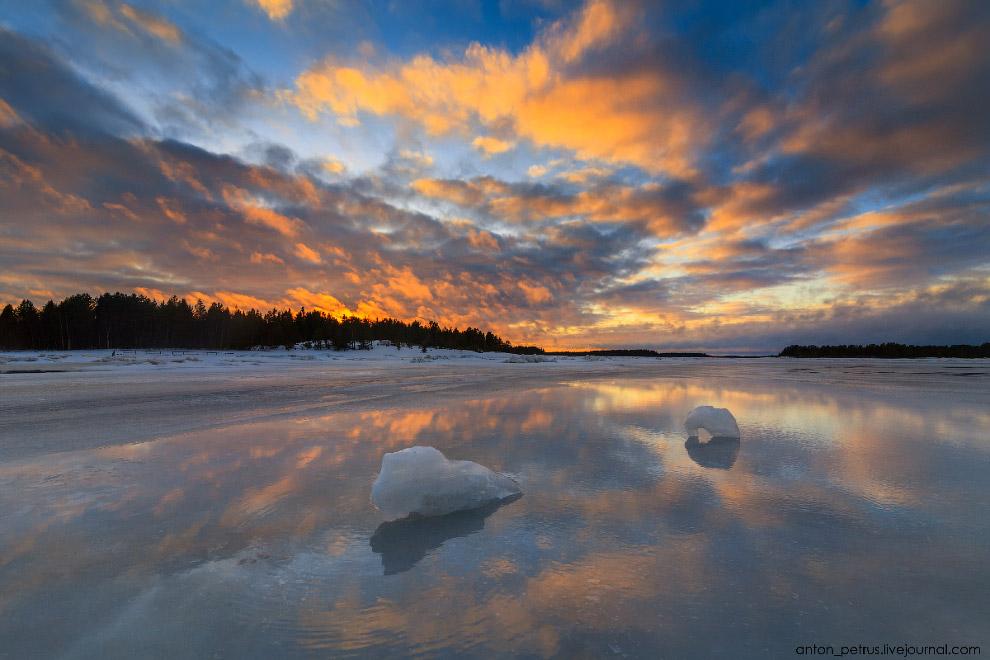 6. На льду это смотрелось очень красиво, закат отражался в лужах. Создавалось впечатление, что