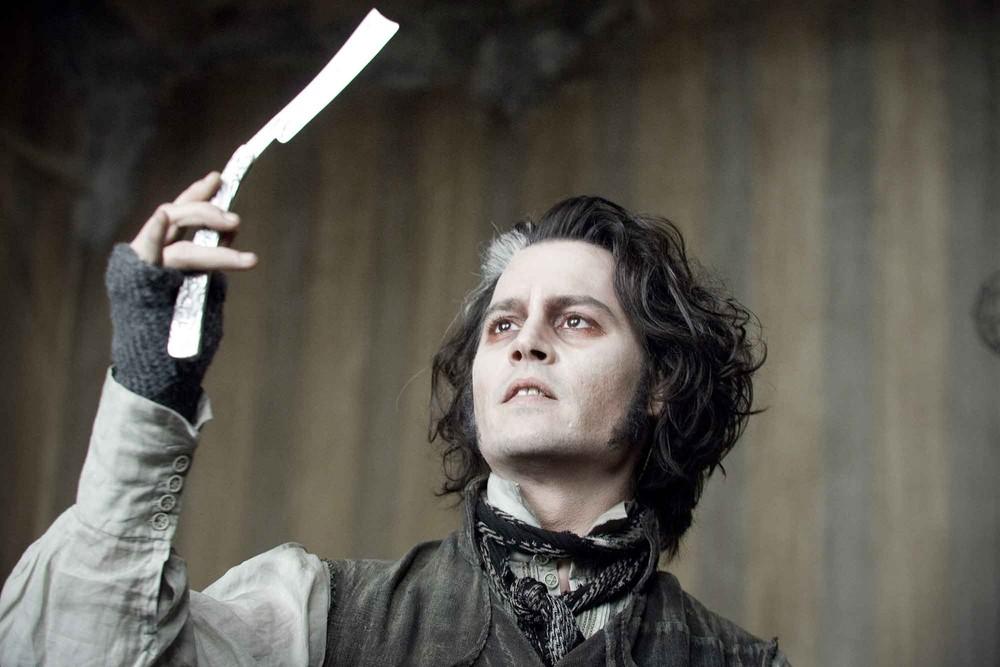 7. В юности актер сам наносил себе травмы ножом, чтобы справиться со стрессом. Свозрастом это